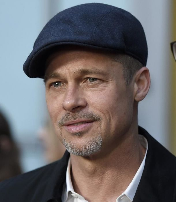 Charlie Sheen revela imagen poco conocida de Brad Pitt