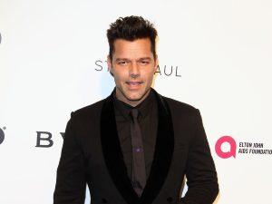 ¡Ricky Martin inicia su show en Las Vegas completamente desnudo! (video)