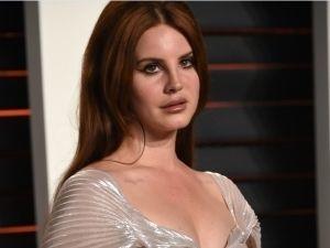 Lana del Rey, como nunca te la hubieras imaginado ver (FOTO)