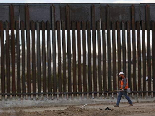 Trump insistirá en fondos para construir muro con México