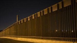 Muro solar en la frontera: nueva propuesta de Trump