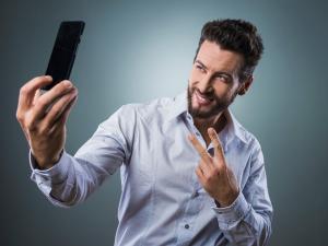 10 señales de que estás saliendo con un narcisista