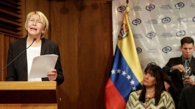 Fiscalía confirma 26 muertes en un mes de protestas en Venezuela