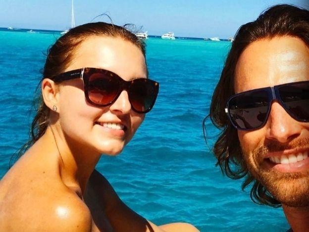 ¡Hermosa foto! Sebastián Rulli se pasa de romántico con Angelique Boyer