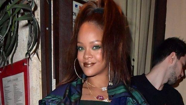 ¡Con sabor latino! Rihanna presume cuerpazo en México con sexy bikini (FOTOS+VIDEO)