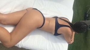 VIDEO: ¡Kourtney Kardashian muestra su trasero perfecto al desnudo!
