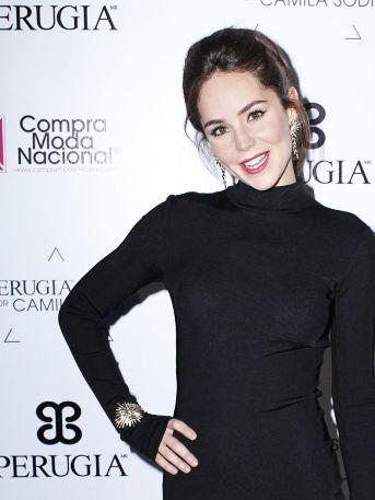 VIDEO: ¡Camila Sodi demuestra que su hija es igualita a ella!