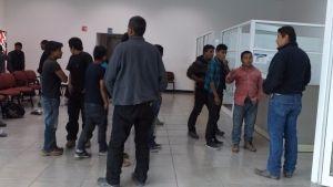 Grupo armado ataca convoy de migrantes en Chihuahua