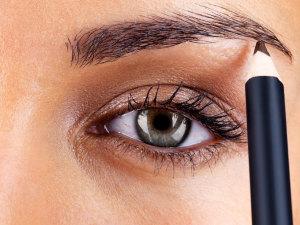 ¿Cómo maquillar las cejas de manera fácil?