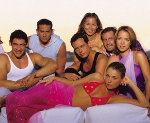 Disfruta 'Amigas y Rivales' en el canal de Youtube 'Televisa Telenovelas Retro'