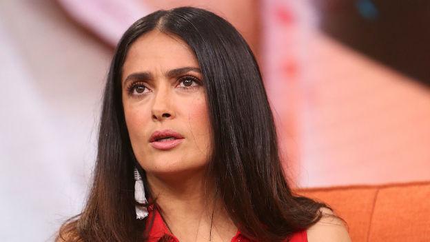 ¡Se le pasó la mano! Sexy mexicana humilla a Salma Hayek (VIDEO)