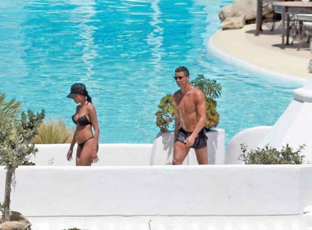 Cristiano Ronaldo lució cuerpazo con su novia