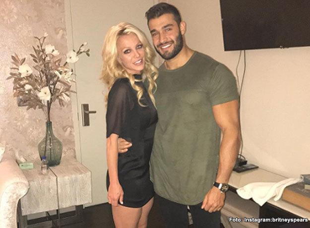 Se rumora que Britney Spears y su novio Sam Asghari se casaron en secreto