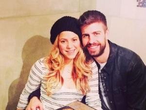 Shakira revela cómo es su romántica relación con Piqué en 'Me Enamoré'