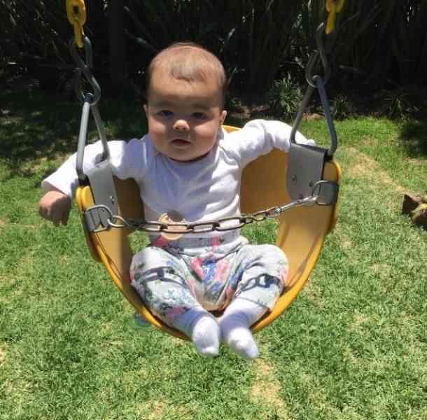 La nieta de Bárbara Mori enamora en redes sociales
