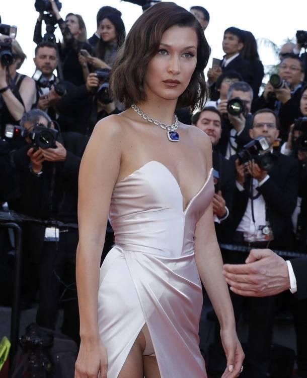 Bella Hadid enseñó de más en Cannes