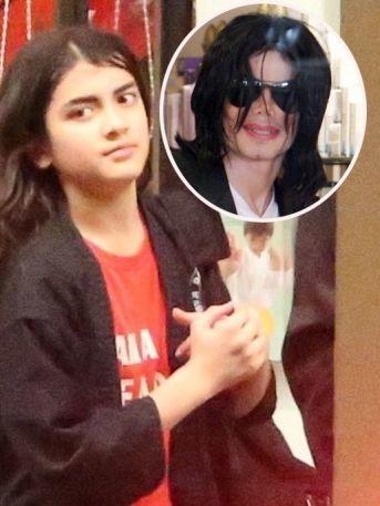 ¡No creerás cómo ha crecido el hijo menor de Michael Jackson!