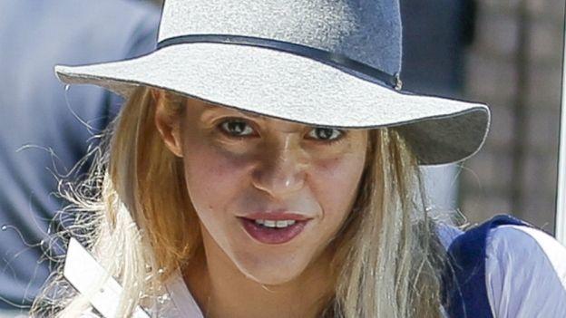 Piqué quiere boda con Shakira