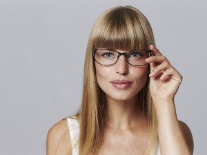 7 maravillosos trucos de maquillaje para chicas que usan lentes