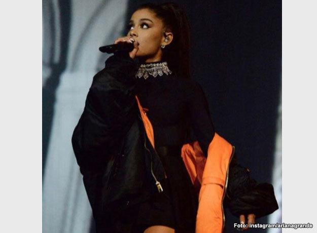 Ariana Grande ofrecía un concierto en la Arena Manchester donde hubo explosiones que dejaron muertos y heridos