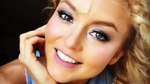 ¡Como nunca antes vista! Angelique Boyer publica foto al natural