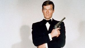 Muere Roger Moore, actor que interpretó 7 veces a 'James Bond'