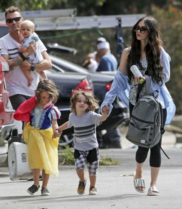 Megan Fox se paseó con toda su familia