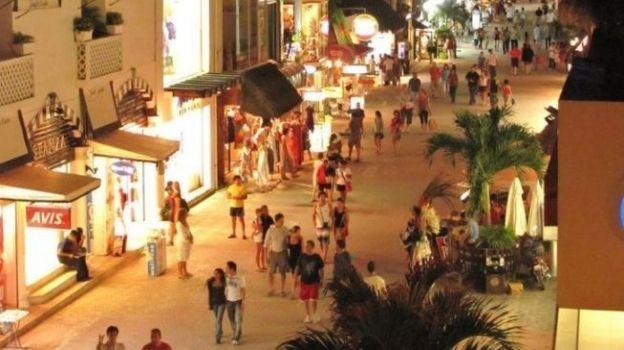 Restablecen suministro de electricidad en la Península de Yucatán