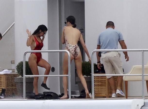 Kourtney Kardashian y Kendall Jenner son la competencia de Kim