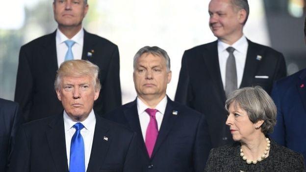 Video: Donald Trump empuja a un líder europeo en la OTAN