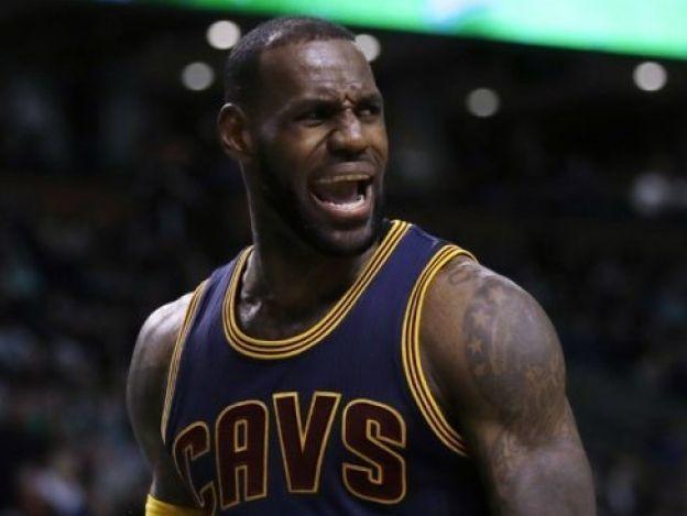 LeBron supera récord de Jordan