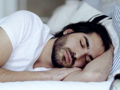 ¿No te ha pasado que después de un encuentro sexual tu hombre se queda dormido? Entérate de las razones
