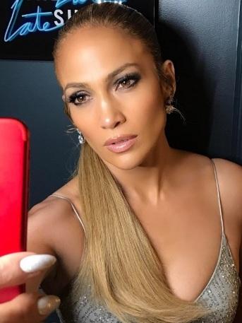¿Adiós cuerpazo? Jennifer Lopez estaría embarazada a los 47 años