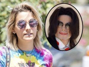 Hija de Michael Jackson es confundida... ¡con una vagabunda!