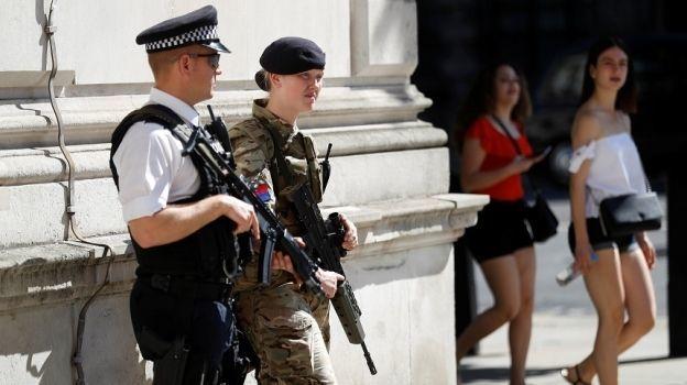 Reino Unido reduce el nivel de amenaza terrorista
