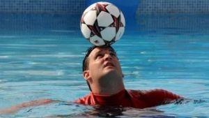 Cubano aspira a Guinness tras romper récord de dominio de balón