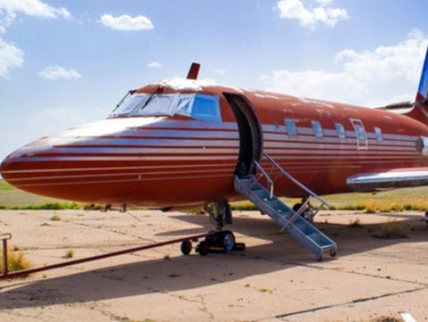 Subastan jet privado de Elvis Presley en 430,000 dólares