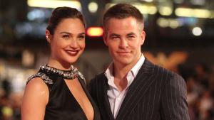 Gal Gadot y Chris Pine brillan en premier de 'Mujer Maravilla' en México