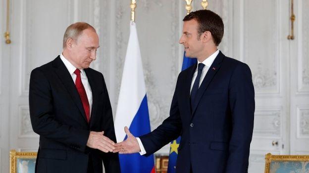 Macron recibe a Putin en un diálogo 'sin concesiones'