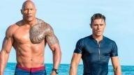 ¡OMG! Zac Efron revela que le encantó besar a 'The Rock' en una escena de 'Baywatch: Guardianes de la Bahía'