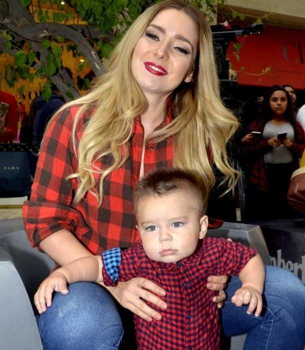 Ariadne Díaz presume a su hijo en redes sociales