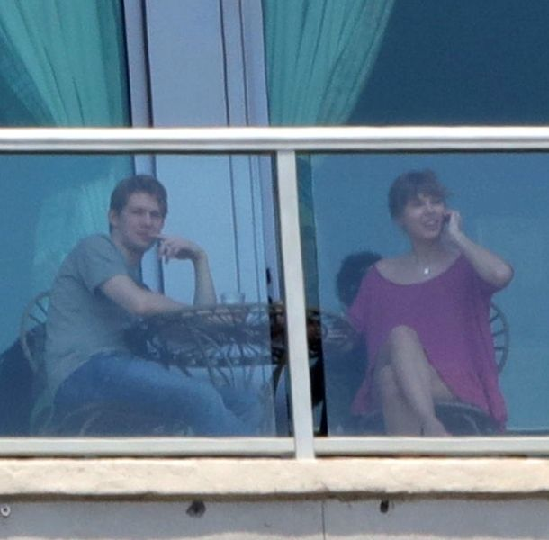 Taylor Swift y Joe Alwyn fueron captados por primera vez juntos