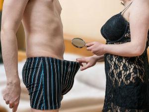 ¡5 cosas que debes hacer si tu pareja tiene el pene pequeño!