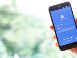 Mucho tiempo en Facebook puede hacer débil a tu cerebro