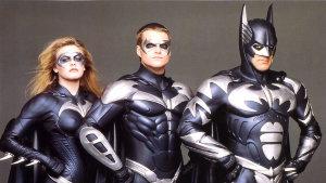 Director de Batman y Robin se disculpa por la película