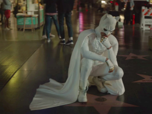 Jaden Smith sorprende en su nuevo video al disfrazarse como 'Batman'