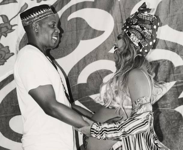 Los gemelos de Beyoncé y Jay Z continúan en el hospital