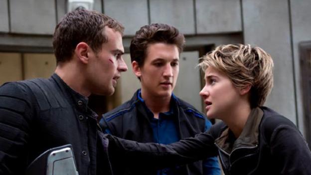 Actor de 'Divergente' es llevado a la cárcel... ¡por borracho!