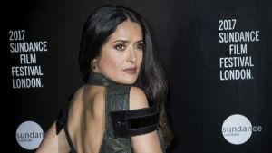 ¡Wow! Salma Hayek muestra más que su cuerpo en Instagram