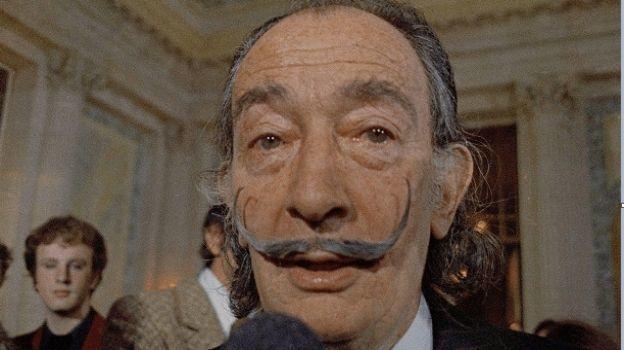 Ordenan exhumar los restos de Dalí tras una demanda de paternidad
